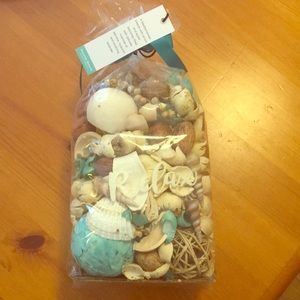 Seaside potpourri